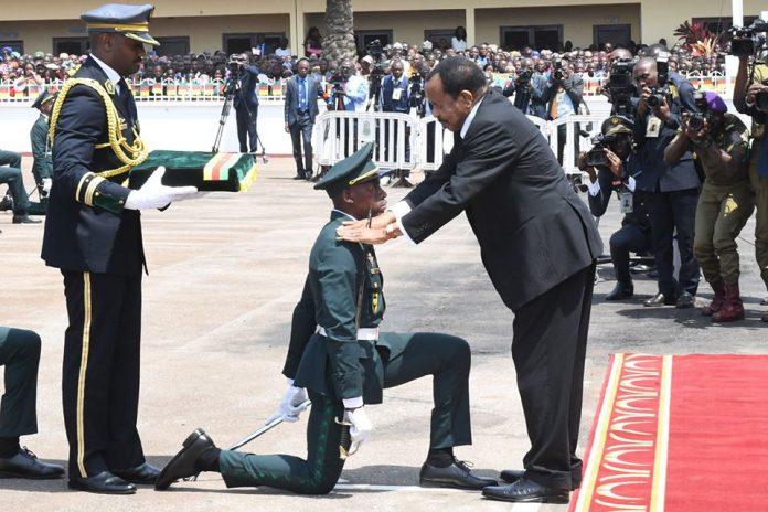 Le président de la République, chef des forces armées, a présidé la cérémonie marquant le triomphe de la promotion « Général de Division Kodji Jacob » de l'Ecole militaire interarmées ce vendredi 24 janvier 2020 à la cour d'honneur de la brigade du quartier Général à Yaoundé.
