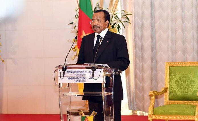 « Le monde peut-il continuer à évoluer dans un contexte de ''guerre commerciale'', de méfiance entre les États, d'incompréhension entre gouvernants et gouvernés ? » Paul Biya pose la question aux diplomates accrédités au Cameroun au cours de la cérémonie de présentation des vœux du nouvel an, le 9 janvier 2020 au Palais de l'Unité à Yaoundé.