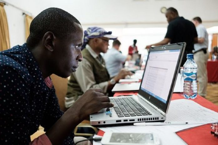 A l'initiative d'une vingtaine de jeunes volontaires bénévoles, une édition spéciale de « la Non-conférence » se tiendra exclusivement sur Internet le 27 avril 2020. Elle sera précédée d'un Hackathon du 24 au 26 avril 2020.