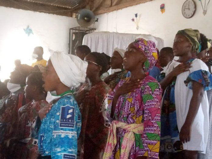 A l'initiative du GIC Sawa O Panya, une cinquantaine d'enfants de ce petit village situé dans l'arrondissement de Douala 5ème ont appris, du 17 août au 18 septembre 2020, les bases de la langue et culture Sawa.